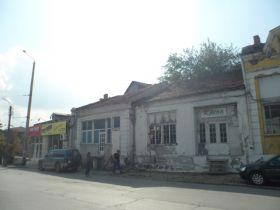 629/2014 - 250/420 ид.ч. от дворно място, ведно постройка и гараж, находяща се в гр.Русе, ул. 19 ти февруари 22